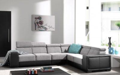 Canapé d'angle droit avec têtières relevables en tissu gris